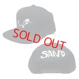 SAND [UNLEASH] SNAPBACK CAP